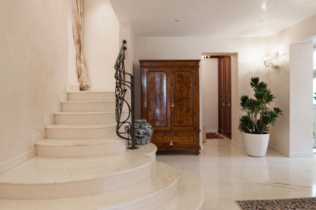 Come pulire il marmo delle scale